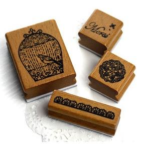 ชุด set  Merci กล่องเหล็ก ขนาดกล่องเหล็ก 7.5 x 10 cm. รวม stamp 4 ชิ้น