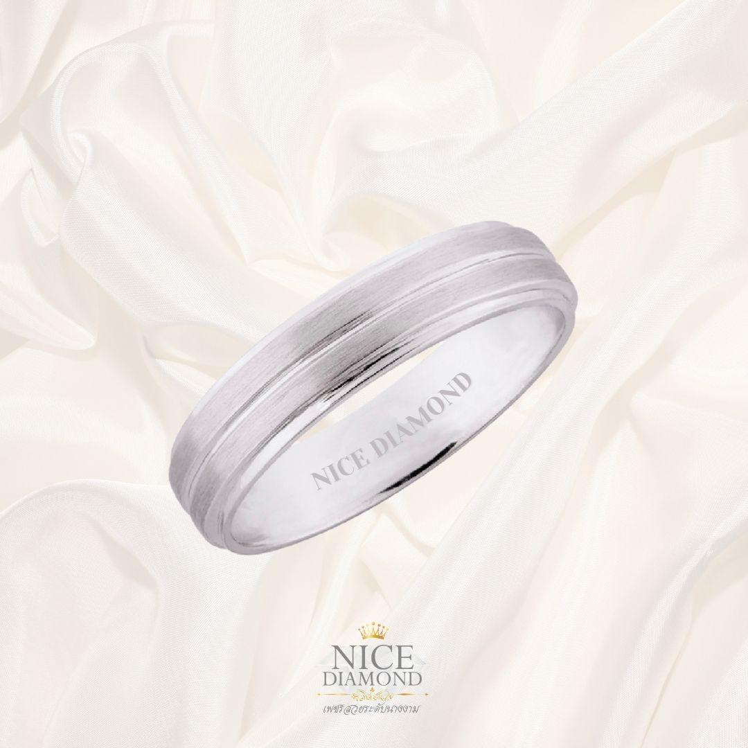 แหวนทองขาวเกลี้ยง แรทรายขอบเงาสามเส้น