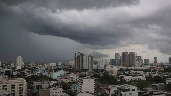 ทั่วไทยยังมีฝนฟ้าคะนอง-ตกหนัก คลื่นอ่าวไทยแรงขึ้น เดินเรือควรระวัง