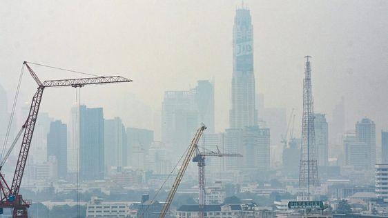 เตือนคนกรุงฯ ฝุ่น PM2.5 กลับมาอีกแล้ว พบเกินค่ามาตรฐาน 7 สถานี