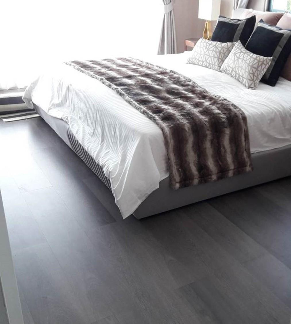 ราคาพื้นไม้ลามิเนตสีเทาสำหรับพื้นห้องนอน