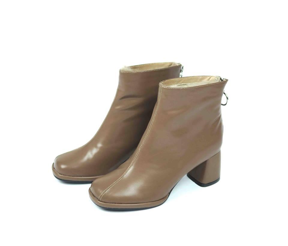 เช่ารองเท้าบูทสั้นส้นสูง รุ่น Boots 903GBA028BR