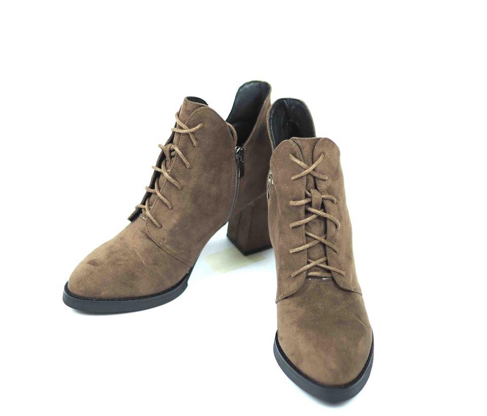 เช่ารองเท้าบูทสั้นส้นสูง  รุ่น Boots 903GBA022BR