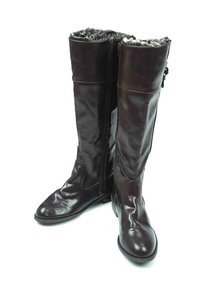 เช่ารองเท้าบูทยาวส้นเตี้ย รุ่น Boots 901GBH004DB381