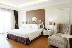 Miracle Suite Hotel Pattaya