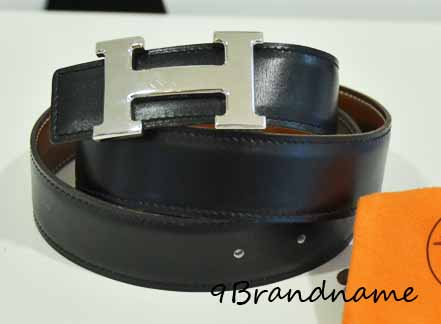 Hermes Belt size 80 สีน้ำตาล-ดำ ใส่ได้สองด้านคะ หัวตัว H สีเงิน สภาพดีค่า