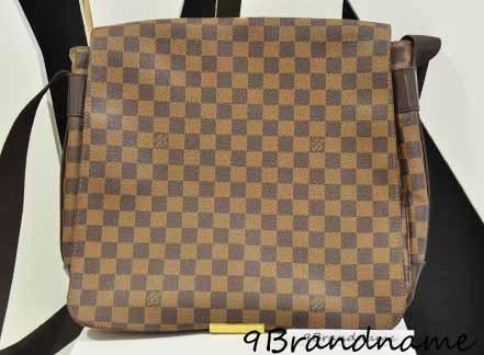 Louis Vuitton Bastille Damier Size MM กระเป๋าผู้ชายทรงสะพายยาว crssbody ขนาดกลางกำลังดี สภาพดีค่า