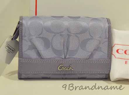 Coach Wallet กระเป๋าตังค์ ทรง3ชั้น สีม่วง Lilac ผ้าลายโลโก้ ของใหม่