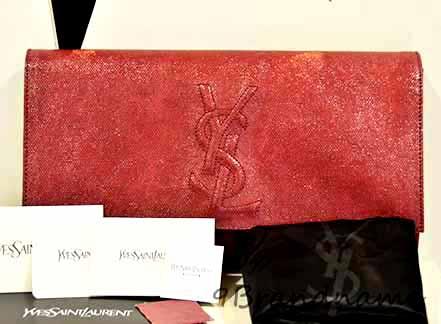 YSL Yves Saint Laurent Clucht RED size Large สีแดงเข้ม กระเป๋าทรงถือแห่งปี มาแรงสุดๆค่ะ
