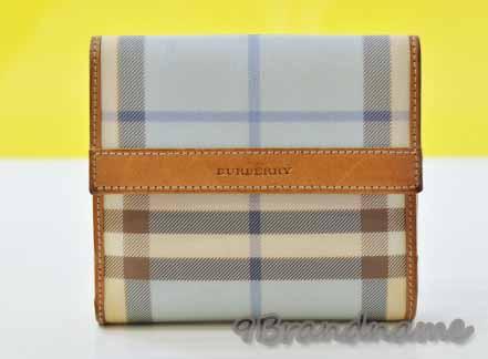 Burberry Short Wallet กระเป๋าตังค์ ลาย สก๊อต สีฟ้าอ่อน ขอบหนังสีเนื้อ มีช่องใส่เหรียญ มือสองสภาพดี ราคาถูกค่า