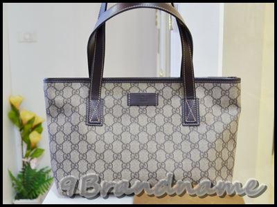 Gucci Shopping bag ทรง Neverfull ไซส์ เล็ก น่ารักค่า หนังลายโลโก้ ขอบหนังสีน้ำตาล มือสอง สภาพสวยค่า