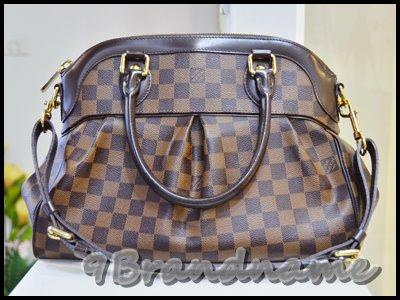 Louis Vuitton Trevi Damier PM กระเป๋าทรงสวยหรู พร้อมสายสะพายไหล่ มือสอง สภาพดีค่า