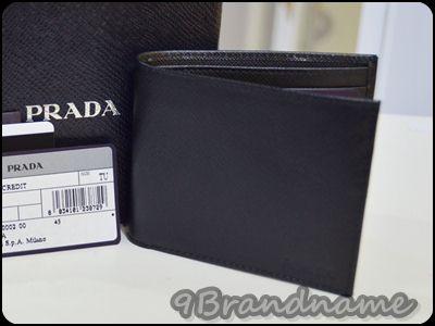 Prada Saffiano Short Wallet for men กระเป๋าสตาค์ ผู้ชาย ใบสั้น สีดำ เรียบเท่ค่า