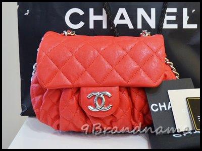 Chanel Chain Around RED Lamb SHW กระเป๋าทรงสะพายยาว crossbody สีแดงสด ทรงน่ารักมากเลยคะ สภาพสวยเหมือนใหม่ค่า