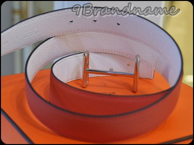 Hermes Reversible Belt Red-White size 90 หัวไม้ขีดเงิน เข็มขัดแบบใส่ได้2ด้านนะคะ สีแดง และขาว หัว H เส้นหรือเรียกว่าหัวไม้ขีดนะคะ