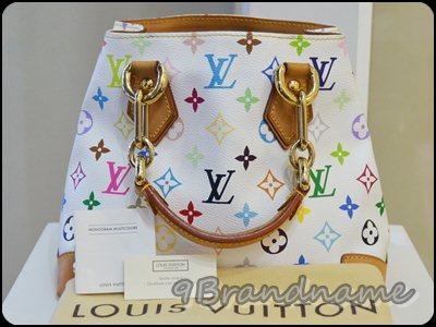 Louis Vuitton Audra Multicolor White กระเป๋าถือใบเล็ก ทรงเหลี่ยม จุนะคะเล็กๆแบบนี้ น่ารัดและสภาพดีมากคะ
