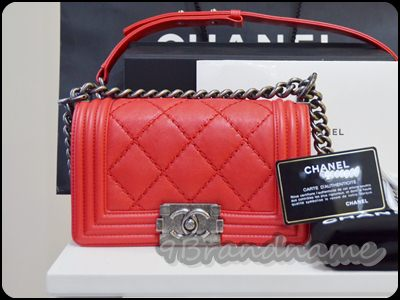 Chanel Boy Red Calf skin Mini 8 กระเป๋าชาแนลบอย สีแดงหนังคาร์ฟ ใบจิ๋ว 8 นิ้ว น่ารักมากๆค่า