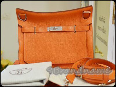 Hermes Jypsiere PHW size 28 in Orange Signature กระเป๋าสะพายสุดเก๋ของน้องม้า สีส้มสวยมากๆค่า