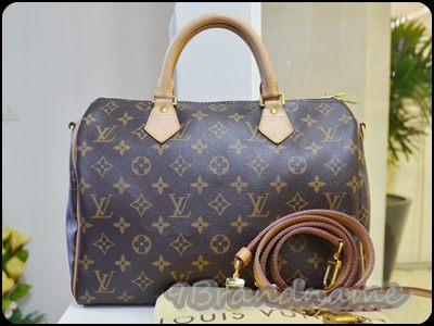 Louis Vuitton Speedy Bandoulire Monogram Size 30 กระเป๋าทรงหมอน พร้อมสายสะพายยาวรุ่นยอดนิยม มือสองสภาพดีมากๆค่า