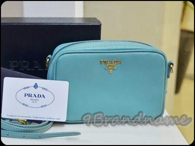 Prada mini box saffiano with strap blue Anice กระเป๋าใบจิ๋วฟ้า มือสอง สภาพดีมากค่ะ