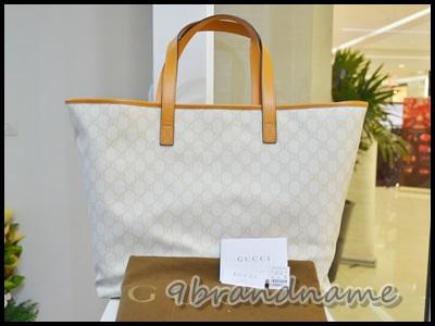 Gucci Shopping Tote PVD Canvas สีครีม ขอบหนังสีส้ม ใบใหญ่ ทรงคล้าย Neverfull ใช้ง่ายค่า สภาพเหมือนใหม่