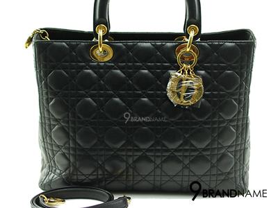 Christian Dior Lady Dior 12 Black Lambskin GHW  - Used Authentic Bag กระเป๋าคริสเตียนดิออร์ รุ่นเลดี้ดิออร์ ไซส์12 หนังแกะสีดำ มีสายสะพายยาว ของแท้มือสองสภาพดีค่ะ