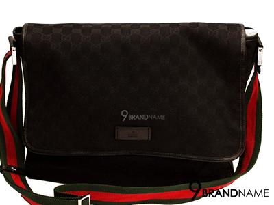 Gucci Massenger Bag Black color สายเขียวแดง กระเป๋าทรงเอกสารผ้าสีดำ ลายโลโก้ สายเขียว แดง ใบใหญ่ ใส่โน๊ตบุ๊คได้ค่ะ ของแท้มือสอง สภาพดี