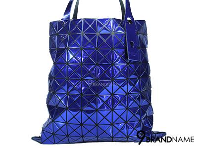 Issey Miyake Bao Bao 10x10 Blue Platinum1 - Used Authentic Bag กระเป๋า อิซเซ่ มิยาเกะ เบา เบา  สีน้ำเงิน เมทาลิค ลิมิเต๊ด  ไซส์ 10x10 สีนี้สวยมากๆค่าสภาพเหมือนใหม่ ด้วยความเบา พร้อมสีนี้ สะพายไม่ซ้ำใครแน่ๆค่า ของแท้ มือสอง สภาพดีคะ