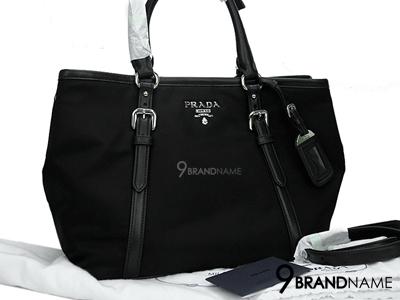 Prada Tote Tessuto Soft Calf Nero SHW BN1841 Size 28cm - Authentic Bag กระเป๋าพราด้า ทัชซึโต๊ะ ผ้าร่มสีดำ หูจับหนังแท้สีดำ ไซส์ 28cm กระเป๋ามีกระดุมด้านข้างเก็บทรงได้2ทรง ด้านบนมีกระดุมปิดตรงกลาง เก็บของสะดวก น้ำหนักเบา
