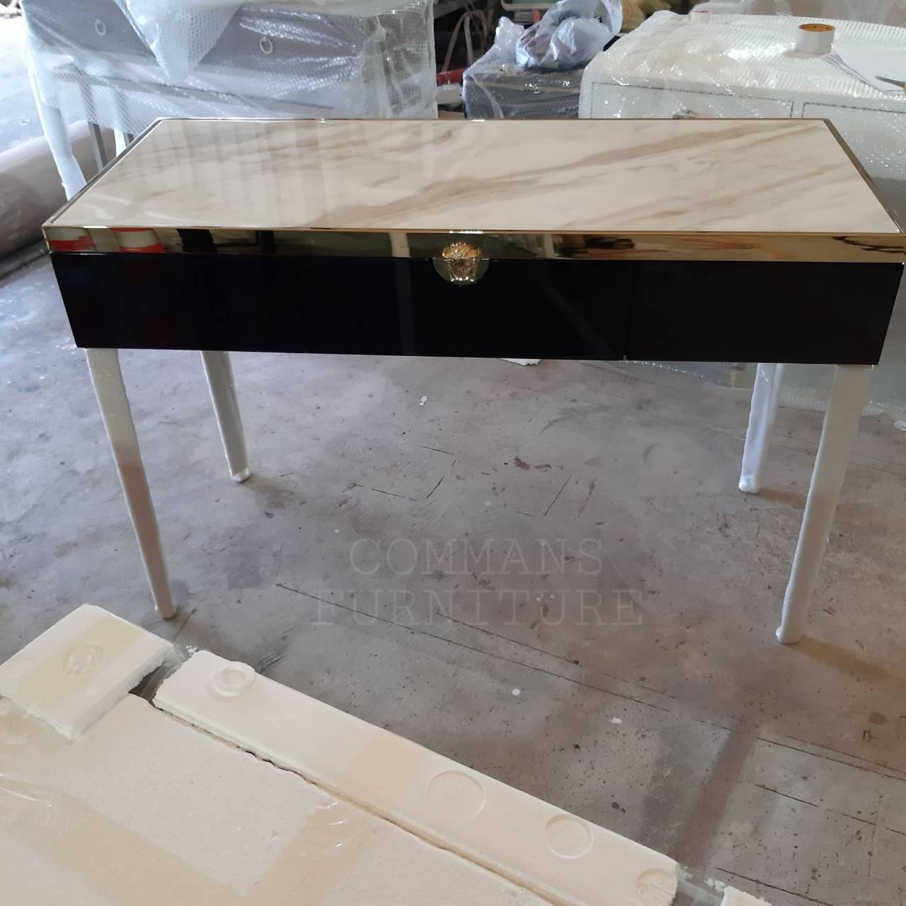 โต๊ะทำงานVersace Luxury