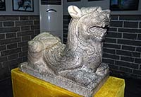 """ปี่เซี๊ยะ สัตว์ในจินตนาการของ """"จีน"""" มาจากสิงโตมีปีกของ """"ตะวันออกกลาง"""""""