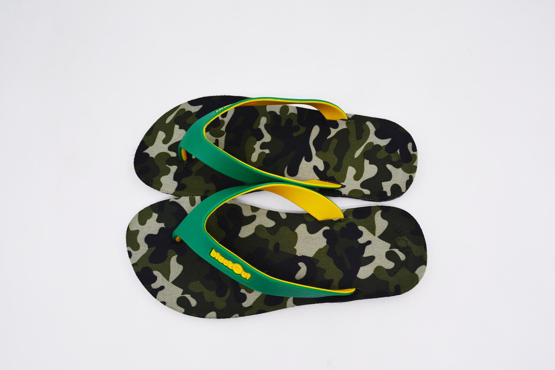FLIPPER 2 TONE- blackOut พื้นลายทหารเขียว/หูเขียวเหลือง