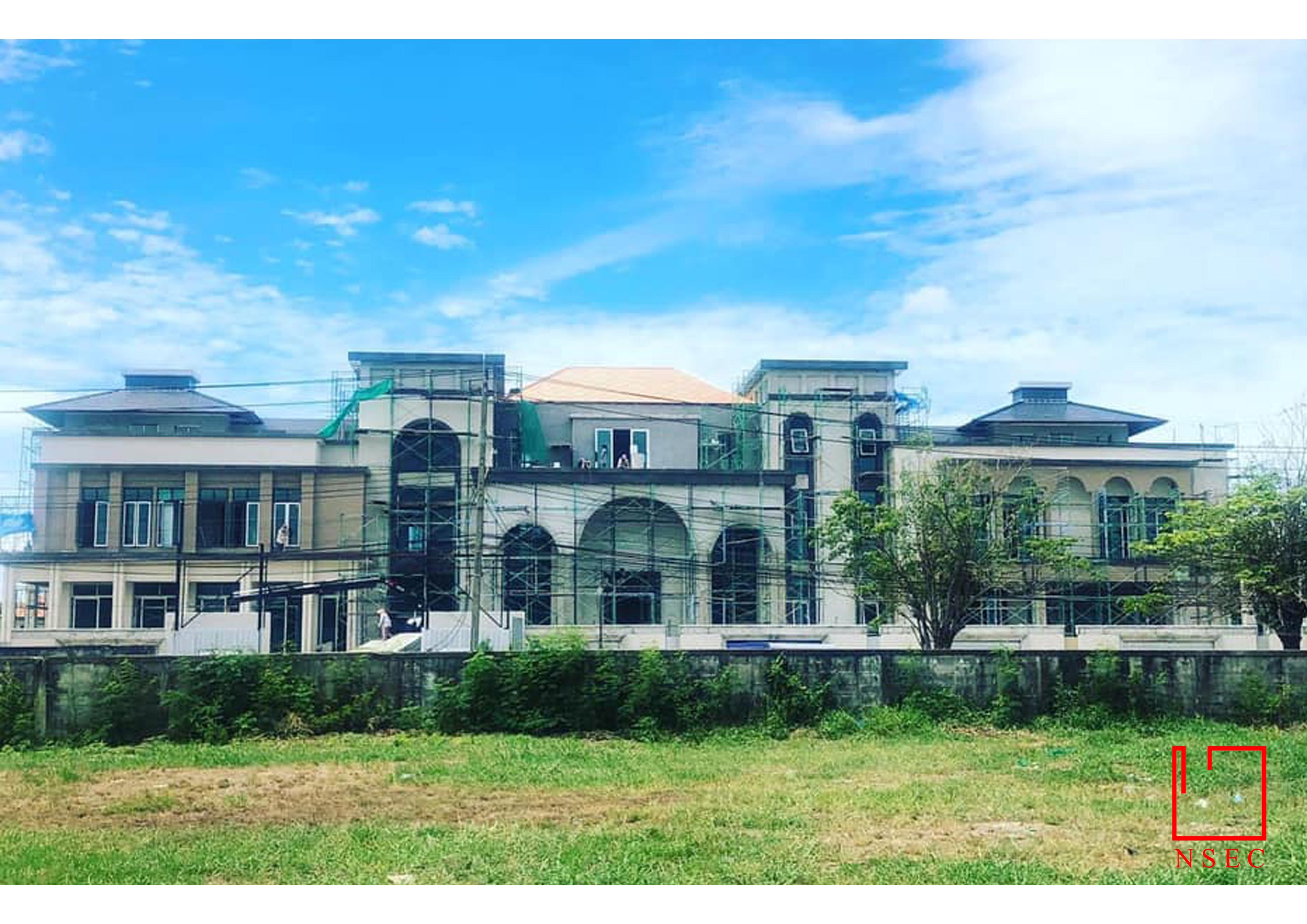 BOROMMARATCHACHONNANI HOUSE