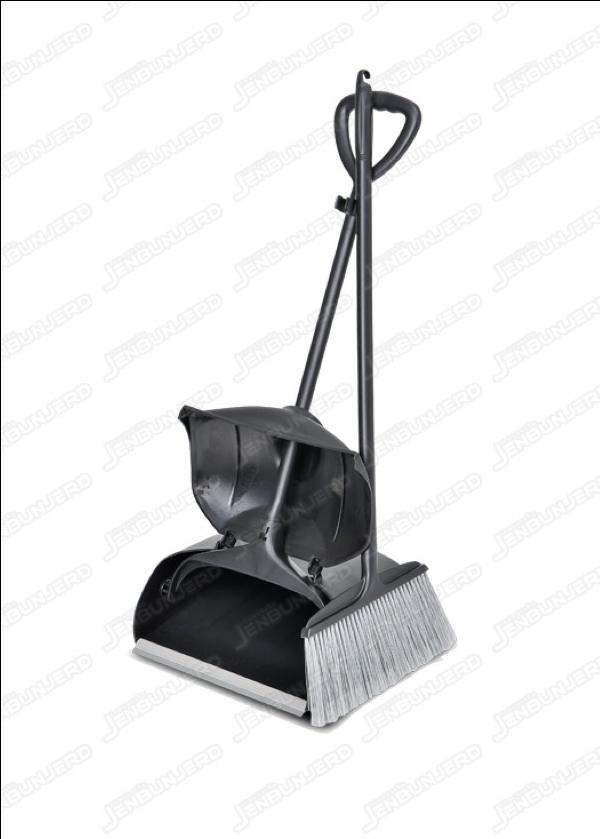 DUST PAN WITH COVER (BLACK) OCTOPUS ไม้กวาดและที่ตักผง