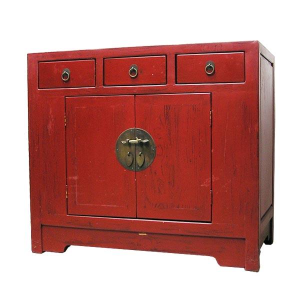 ตู้ไม้สีแดง 3 ลิ้นชักแต่งกลอนทองเหลืองสไตล์จีน 85 ซม.