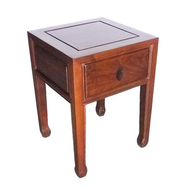 โต๊ะข้างเตียงไม้ 1ลิ้นชักแต่งทองเหลืองสไตล์จีน 36 ซม.