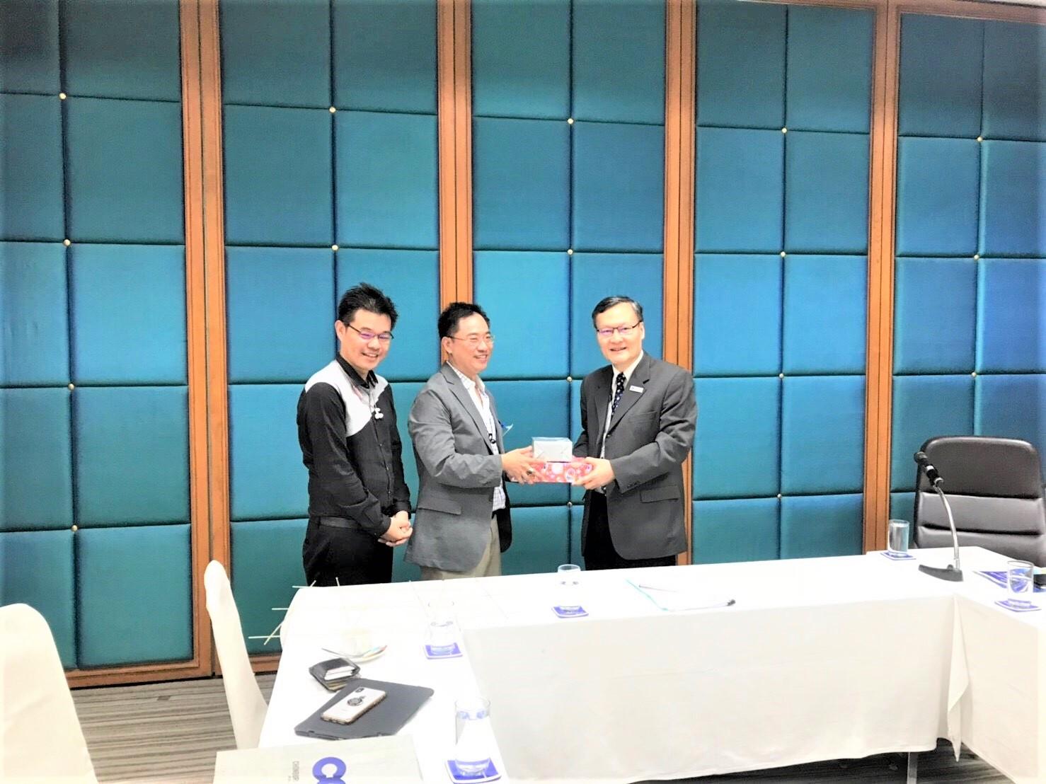 ขอขอบคุณ บริษัท ทีม คอนซัลติ้ง เอนจิเนียริ่ง แอนด์ แมนเนจเม้นท์ จำกัด (มหาชน) ที่เปิดโอกาสให้ บริษัท สมาร์ทคอนกรีต จำกัด (มหาชน) เข้านำเสนอผลิตภัณฑ์ สมาร์ทบล็อค G4 อิฐมวลเบา ประหยัดพลังงาน เบอร์ 5