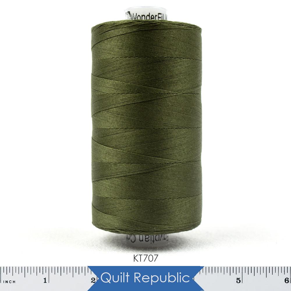 Wonderfil Threads Konfetti Pine Green