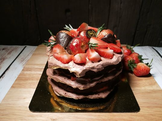 Choco Strawberry Cake