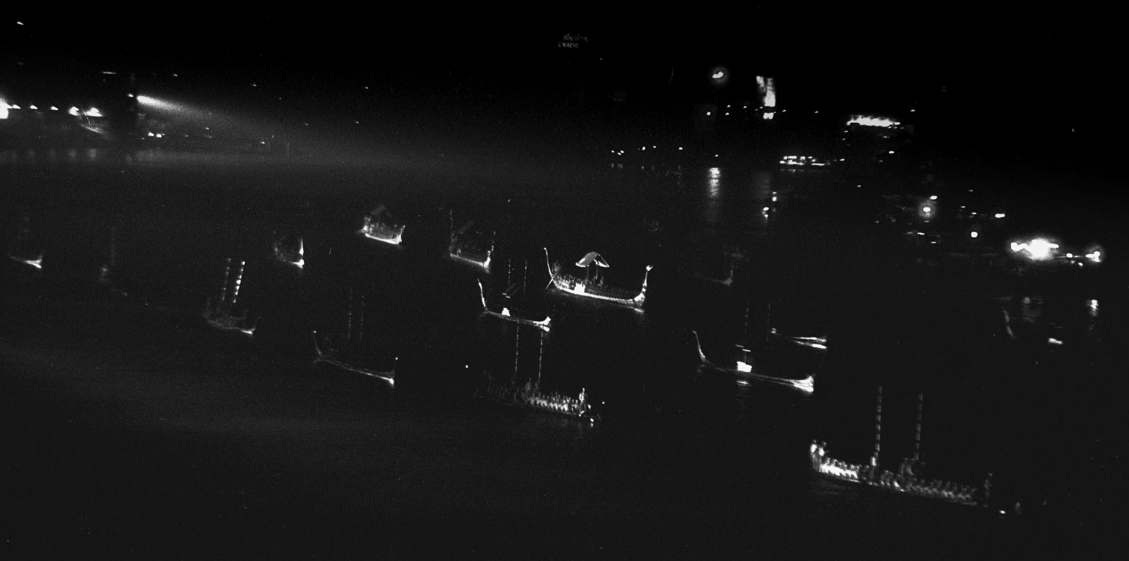 ถ่ายภาพด้วยฟิลม์อินฟราเรดตอนกลางคืน ?????