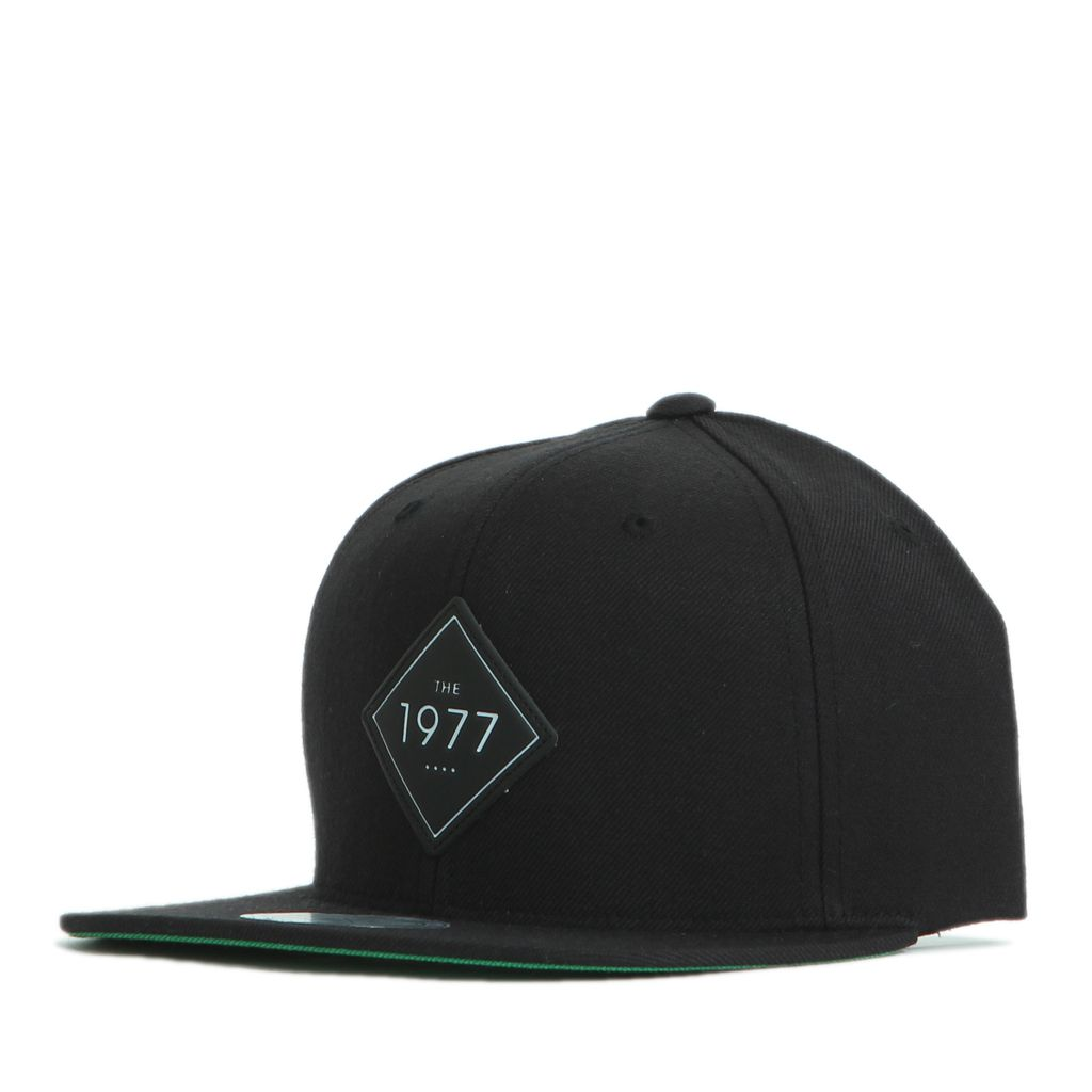 FL015 THE 1977 black