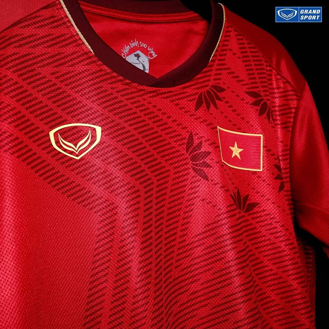 2020 Vietnam National Team Genuine Official Football Soccer Jersey Shirt Red Home Player Edition