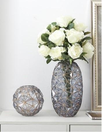 The Luxury Vase