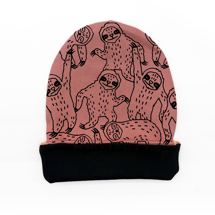 BEANIE HAT AC0819 SLOTHS REVERSIBLE IN BLACK
