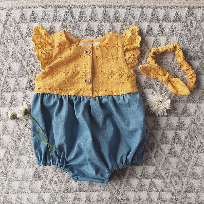 ROMPER FLUTTER SLEEVES BUTTONS FRONT/ EMBROIDERY MIX WITH LIGHT DENIM 100%COTTON