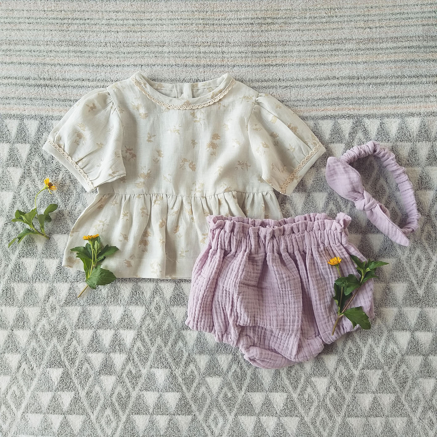 SET PUFF SLEEVES BLOUSE WITH LACE TRIM+ DUSTY PINK COTTON BLOOMER 100% LINEN CREAM FLORA