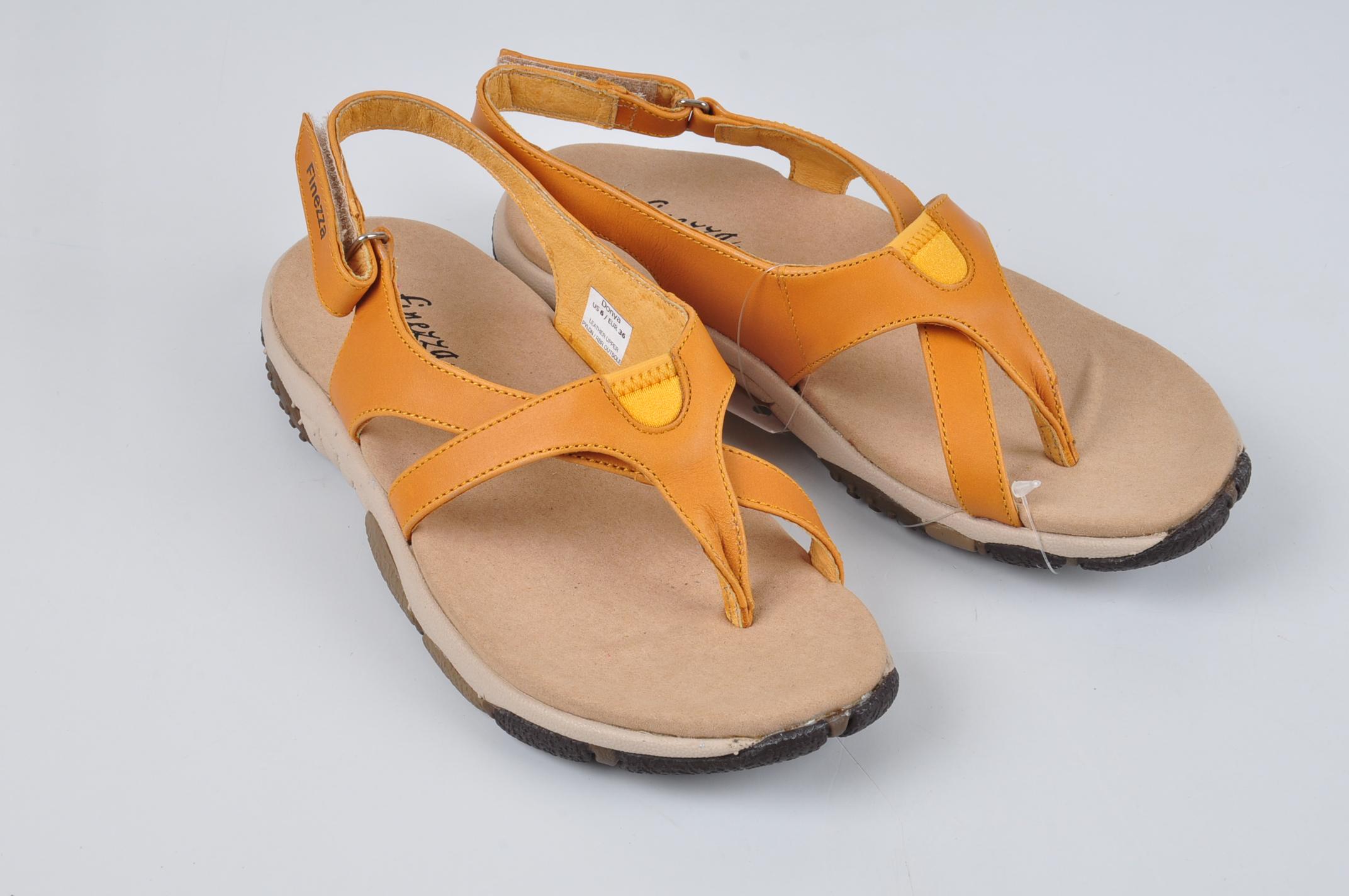 รองเท้าสตรี FINEZZA  รุ่นDonya