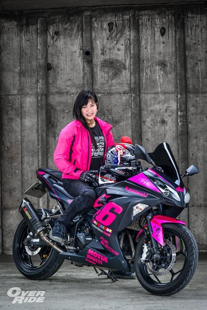 Kawasaki Ninja 300 Black Pink Overridemag