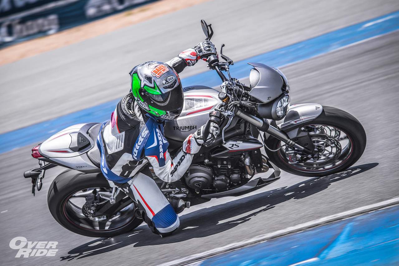 TEST ON TRACK Triumph Street Triple RS @chang international circuit