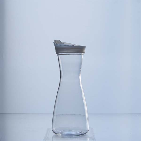 Bottle with lid 0.6 LT.